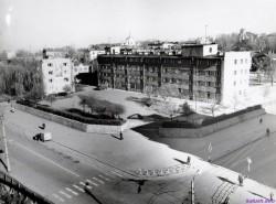 Перехрестя вулиць Жданова і Терешкової, зараз Підвальна-Бандери:  Back in U.S.S.R.